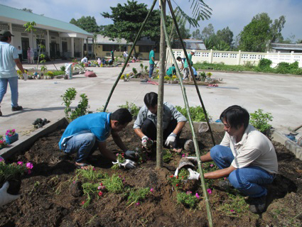 inpage community enrichment planting trees