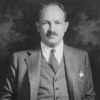 John H.MacMillan, hijo