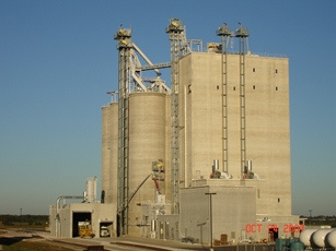Cargill's new feed mill being built in Hedrick, Iowa, will be similar to the mill pictured, also built by Younglove Construction.